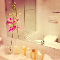 Styling the hotel room bathroom on my travels