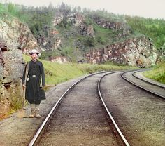 Prokudin-Gorskii-23 - Trans-Siberian Railway - Bashkir switchman near the town Ust' Katav on the Yuryuzan River between Ufa and Cheliabinsk in the Ural Mountains region