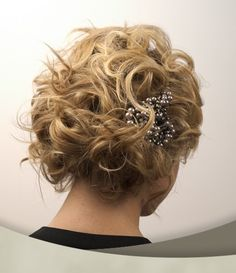 Short Curly Hairstyle for Wedding