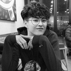 exo fluff imagines - dating kim minseok 🐱 Exo Xiumin, Kim Minseok Exo, Exo Ot12, Exo K, Kpop Exo, Shinee, Chanbaek, Wattpad, K Pop