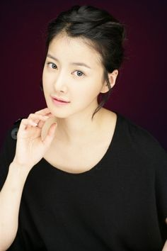 Lee Si Young (Wild Romance, Poseidon, Boys Before Flowers, Couples (movie))