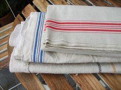 Großes altes Rolltuch oder Mangeltuch aus Leinen mit einer breiten Streifenbordüre in Rot. Unbenutzt, wie es scheint. Trotzdem bitte waschen, da gelagert. 3 Meter lang, 90 cm breit. Toll als...