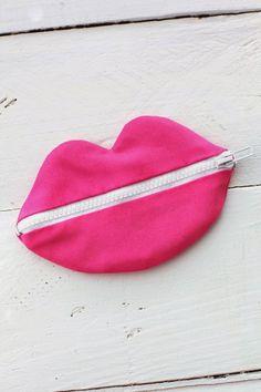 Tutorial – Cartera con forma de labios – Costura – Comando Craft