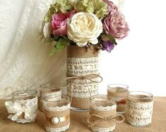 10x burlap and ivory lace covered votive candle di PinKyJubb