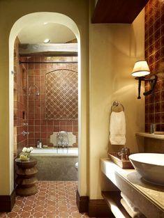 Terracotta tiles bring old world charm to the Mediterranean bathroom [Design: RJ Dailey Construction] Mediterranean Bathroom Design Ideas, Mediterranean Decor, Mediterranean Architecture, Warm Bathroom, Master Bathroom, Tuscan Bathroom, Floor Design, Tile Design, Bath Design