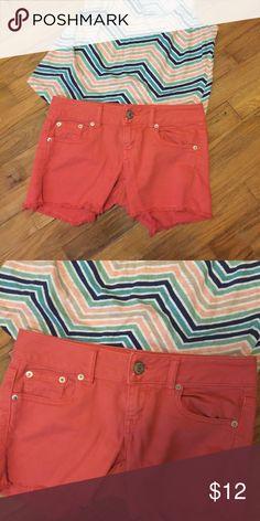 American Eagle Midi Shorts size 0 American Eagle Midi Shorts size 0. Cute Coral Color. Perfect for summer. American Eagle Outfitters Shorts Jean Shorts