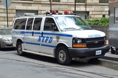 Police Truck, Police Cars, New York Police, Emergency Vehicles, Military Vehicles, Chevrolet, My Photos, Manhattan, Tube