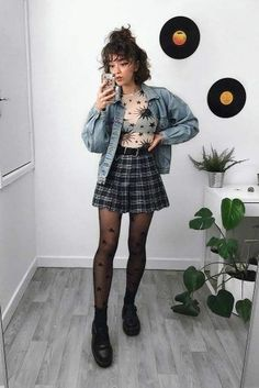 Short Plaid Skirt With Denim Jacket ★ Edgy grunge style from the to inspire your street style. Basics Of Grunge Style And Modern Interpretation Chrissi christianafege clothing Short Plaid Soft Grunge Outfits, Indie Outfits, Street Style Outfits, Grunge Look, Girly Outfits, Retro Outfits, Vintage Outfits, Cool Outfits, Casual Outfits