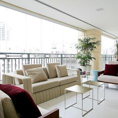 Tem muitas fotos desse apartamento lindo e inspirador lá no blog. Link no perfil  http://ift.tt/1PDZmBp  Venham ver!!!  Projeto Kalili Kibrit