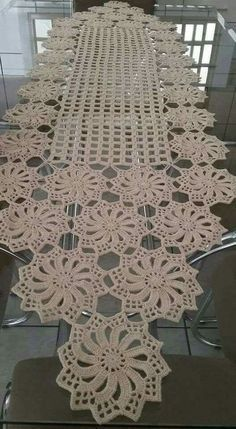 Free Patterns Archives - Beautiful Crochet Patterns and Knitting Patterns Filet Crochet, Crochet Diy, Crochet Doily Patterns, Crochet Chart, Crochet Home, Thread Crochet, Crochet Motif, Crochet Stitches, Crochet Ideas