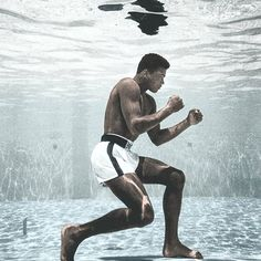 Muhammad Ali in Life Magazine, September 1961 by Flip Schulke. Dope Wallpapers, Sports Wallpapers, Muhammad Ali Wallpaper, Boxe Fight, Boxe Mma, Stallone Rocky, Muhammad Ali Boxing, Images Murales, Boxing Posters