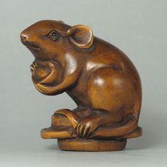 Boxwood Wood Netsuke CUTE MOUSE Carving (WN089)