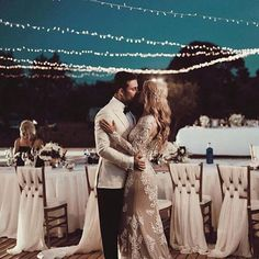 Dancing with the stars has never looked so good ✨ This capture here by @tali__photography is pure magic. From the mood to the dress to the sky, this frame is swoonworthy ✨ Tag someone you know who would love this! .  .  .  #weddingdress #weddinghair #photography #hair #hairstyles #inspiration #bridetobe #bride #love #lace #weddinggown #weddinginspiration #beauty #sunset #florals #flowers #WDOfficial #weddingday #engagementshoot #wedding #dress #travel #blueskies #decor #photooftheday…