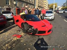 Ferrari LaFerrari crashed in Budapest, Hungary