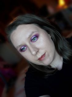 Here is a quick tutorial showing you how to create an easy purple halo eyeshadow look. I hope you like this look and find the makeup tuto... Bronzer, Concealer, Makeup Inspiration, Makeup Ideas, Halo Eye Makeup, Younique Touch, Light Contouring, Lower Lashes, White Glitter