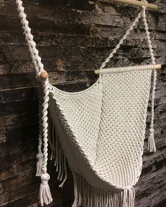 Hanging Hammock Chair, Swinging Chair, Macrame Chairs, Macrame Wall Hanging Diy, Diy Furniture Couch, Macrame Patterns, Macrame Jewelry, Awesome Bedrooms, Projects