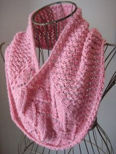 One Skein Strawberries and Cream Cowl