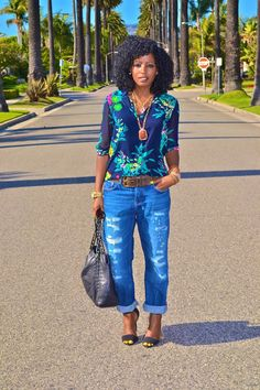 Discover this look wearing Blue Boyfriend Jeans, Navy Zara Blouses - Spring Florals by StylePantry styled for Classic, Girls Night Out in the Spring Style Outfits, Casual Outfits, Cute Outfits, Fashion Outfits, Womens Fashion, Fashion Trends, Casual Chic, Looks Jeans, Style Pantry
