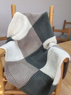 Patchwork Blanket, Crochet Blanket Patterns, Knitting Patterns Free, Free Knitting, Knitting Stitches, Knitting Needles, Quilt Pattern, Stitch Patterns, Patchwork Baby
