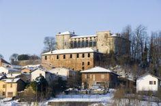 Il castello di Tassarolo all'alba.