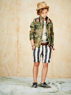 PLAYA PAPAYA - Match this army camouflage jacket with a tropical tee and denim shorts and your boy is ready for some serious exploring. http://webstore-all.scotch-soda.com/boys/shrunk-%236/ss14-boys-lookbook-6.html