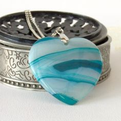 Turquoise blue agate necklace, with heart shaped banded agate £12.00