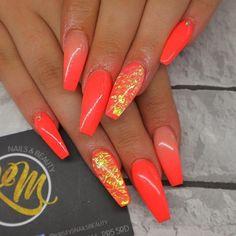 Discover new and inspirational nail art for your short nail designs. Orange Acrylic Nails, Neon Orange Nails, Cute Acrylic Nails, Neon Nails, Glitter Nails, My Nails, Bright Coral Nails, Holiday Acrylic Nails, Orange Nail Art