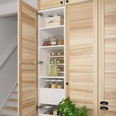 Kitchen gallery Bring a relaxing touch of nature into your kitchen – IKEA Kitchen Storage, Tall Cabinet Storage, Dark Wooden Floor, Kitchen Gallery, Pantry Design, Herd, Cuisines Design, Modern Kitchen Design, Cabinet Doors