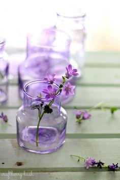 Lilac Flowers in lavender bottle Purple Love, All Things Purple, Purple Lilac, Purple Glass, Shades Of Purple, Purple Stuff, Lilac Flowers, Beautiful Flowers, Flowers Nature