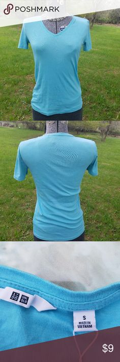 NWOT Uniqlo tee Flattering shade of blue! Uniqlo Tops Tees - Short Sleeve