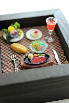 Super tiny steak dinner scene made from clay 粘土のスーパースモールス夕食シーン Design Festa