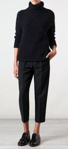 Fashion Tips Outfits All black outfit. Minimal look great for fall weather. Tips Outfits All black outfit. Minimal look great for fall weather. Mode Outfits, Fall Outfits, Casual Outfits, Fashion Outfits, Diy Outfits, Chic Black Outfits, Sweater Outfits, Fall Office Outfits, Fashion Ideas