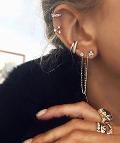 Picture of jazz discovered. Discover (and save!) Your own pictures and video - jewellery - Piercing Oreja Ear Jewelry, Cute Jewelry, Body Jewelry, Jewellery Earrings, Trendy Jewelry, Silver Jewellery, Diamond Earrings, Tragus Earrings, Dainty Earrings