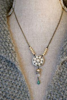Adrienne. collar del rhinestone romántico por tiedupmemories