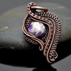 Spring Leaf Pendant Tutorial by Nicole Hanna | JewelryLessons.com