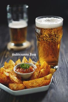 We cannot think of a better late lunch on Sunday Maybe its the Beer talking but I really love Beer Pub Food, Food N, Good Food, Café Bar, Beer Bar, Beer Tasting, Drink Bar, Food And Drink, Beer Recipes