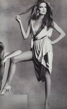 jerry hall by irving penn