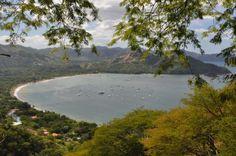 Playa El Coco Hermosa vista, desde una colina, de Playas del Coco, Guanacaste, Costa Rica.