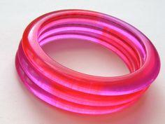 Vintage Jello Lucite Bangle Set - Three hot pink and purple ombre translucent plastic bracelets