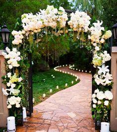 Flores alrededor de la Puerta del jardín - 1