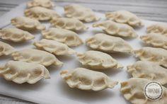 Ciasto na pierogi - przepis - Tapenda.pl Pierogi, Kefir, Dumplings, Stuffed Mushrooms, Cookies, Vegetables, Desserts, Recipes, Polish