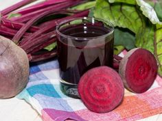 Beetroot juice is naturally sweet in taste with a plethora of health benefits. Drinking beetroot juice can provide you several health benefits including reduced blood pressure. Healthy Juices, Healthy Drinks, Healthy Recipes, Detox Juices, Juice Recipes, Smoothie Recipes, Healthy Food, Healthy Eating, How To Stay Healthy