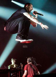 Chester Pennington stage theatrics, Linkin Park