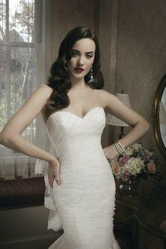 Style #8683   Mermaid style sweetheart neckline wedding gown by Justin Alexander   @Justin Dickinson Alexander   #WeddingDresses