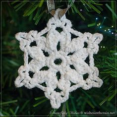 Snowflake wishes - simple, quick snowflakes which when blocked with PVA glue and glitter make pretty Christmas tree ornaments. Perfect to slip in a holiday card for friends and colleagues.