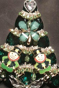 61d1a9650b7 St. Patrick's Day Leprechaun Vintage Rhinestone Christmas Tree Pin Brooch  LaHeir   eBay