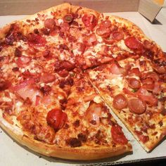 meatlovers pizza @Domino's Pizza