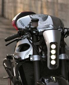 CBR1000 by Huge Design | Inazuma café racer