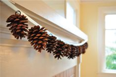 pine cone garland.. in love!