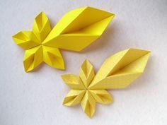 Stella cometa - Star of Bethlehem Origami Yoda, Origami Star Box, Origami Dragon, Origami Fish, Origami 2018, Paper Origami Flowers, Origami Paper Art, Paper Crafts, Origami Instructions